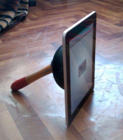 """Tabletowo.pl """"Wyjątkowa"""" podstawka do Apple iPada Akcesoria Apple Humor"""