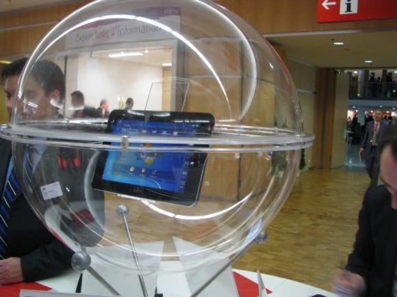 Tabletowo.pl Prototypowy tablet Fujitsu znów w blasku fleszy (wideo) Nowości