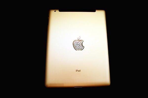 Tabletowo.pl Apple iPad 2 za niewiele ponad 8 milionów dolarów Apple Ciekawostki Nowości