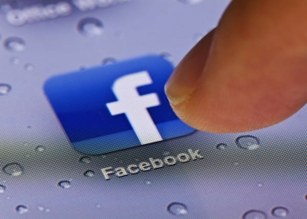 Facebook testuje nowy sposób odzyskiwania hasła 25