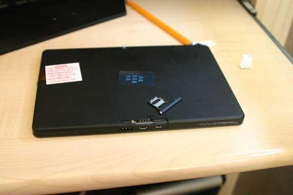 Tabletowo.pl BlackBerry PlayBook 3G nieśmiało debiutuje na stronie egipskiego oddziału RIM BlackBerry Plotki / Przecieki