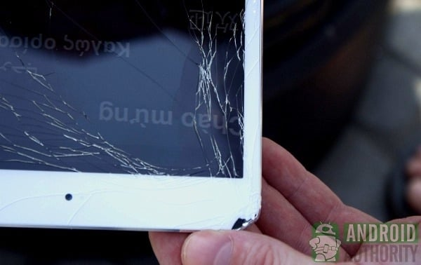 Tabletowo.pl Pojedynek wytrzymałości: iPad mini vs Nexus 7 (wideo) Apple Ciekawostki Nowości
