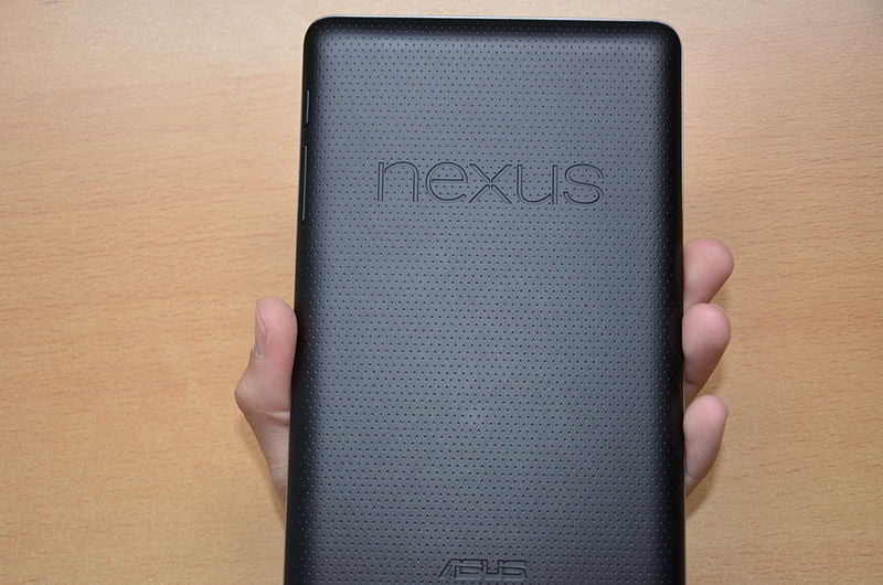 800px-Google_Nexus_7_Back