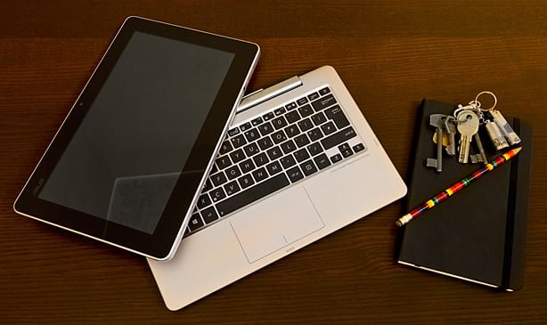 Tabletowo.pl ASUS Transformer Book Trio - już rozpakowaliśmy! Android Hybrydy Microsoft Wideo