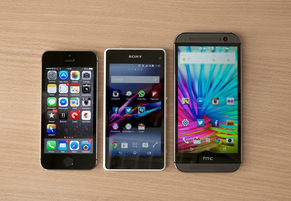 HTC One (M8) vs Sony Xperia Z1 Compact vs iPhone 5S