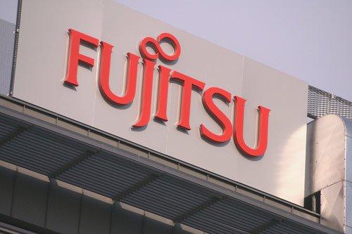 Fujitsu zaprezentowało model ARROWS Tab Q335/K pracujący pod kontrolą Windowsa 8.1 18