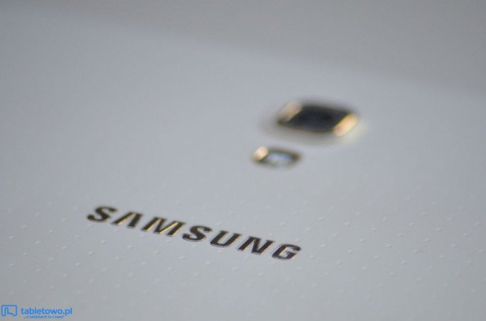 samsung-galaxy-tab-s-8.4-recenzja-tabletowo-aparat2