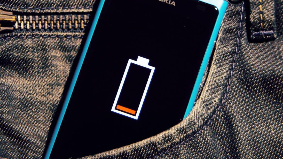 Żywotność akumulatora albo szybkie ładowanie w smartfonie - wybierz jedno 22