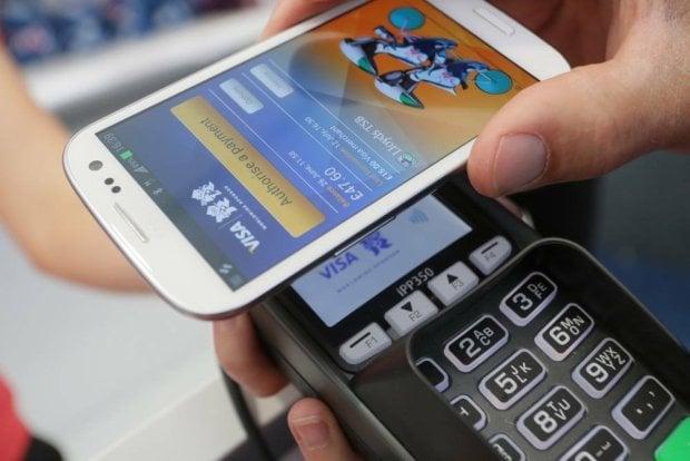 W przyszłym roku za zakupy zapłacimy smartfonem Galaxy? 27