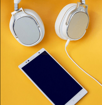Check-out-the-Oppo-PM-3-headphones 2