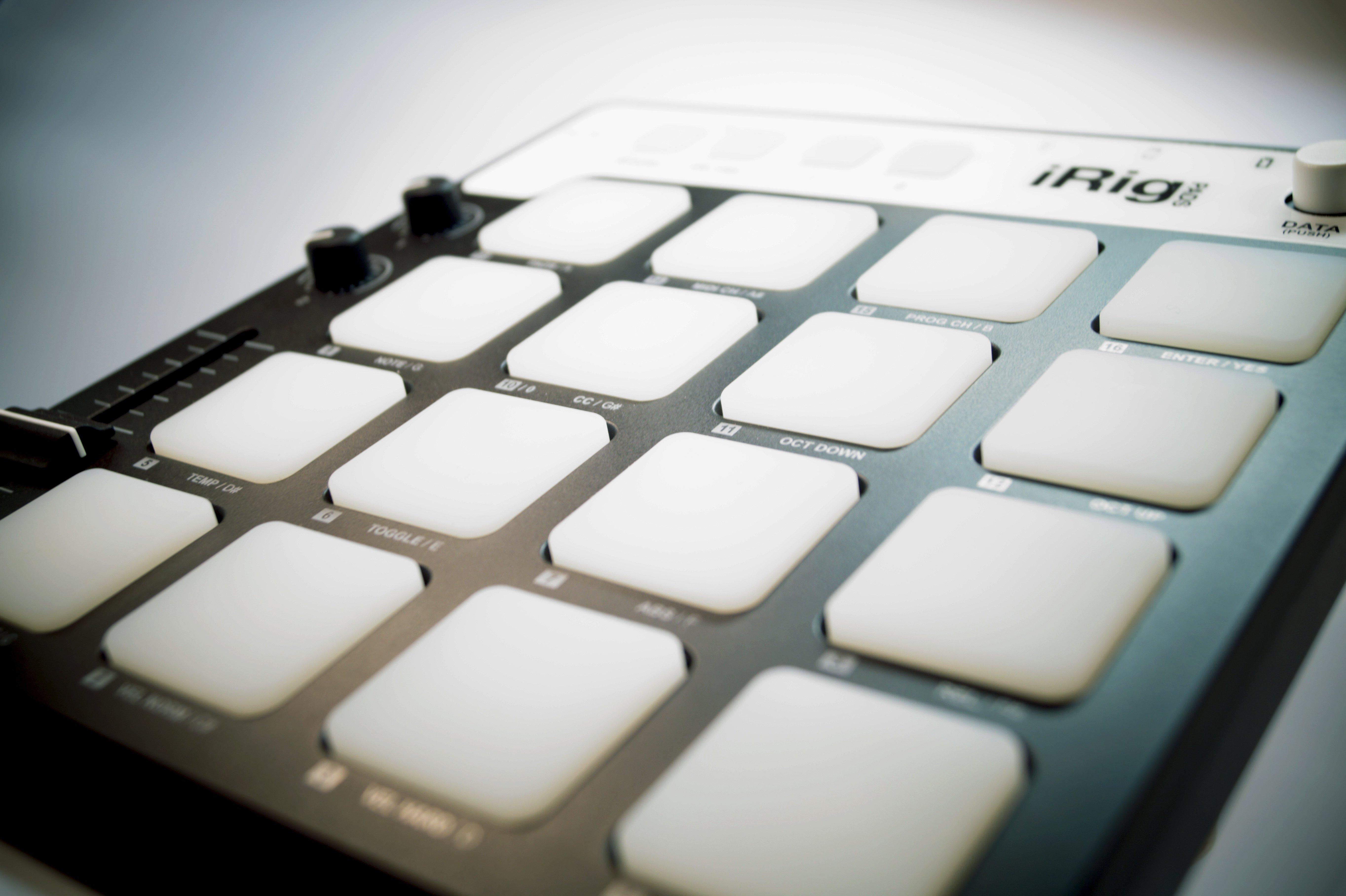 Recenzja iRig Pads - kompaktowego kontrolera MIDI współpracującego z iPadem 16