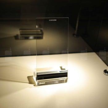 Tabletowo.pl Samsung stworzył specjalnego smartfona dla Iron Mana, przeźroczystego! Ciekawostki Samsung