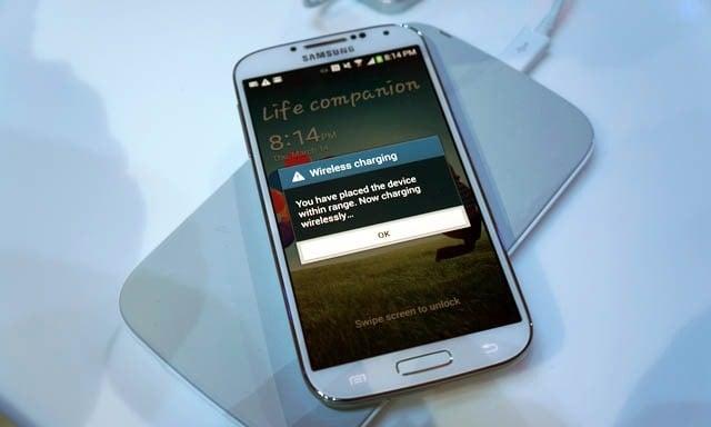 Tabletowo.pl Galaxy S6 z ładowaniem indukcyjnym w standardzie? Android Samsung Smartfony