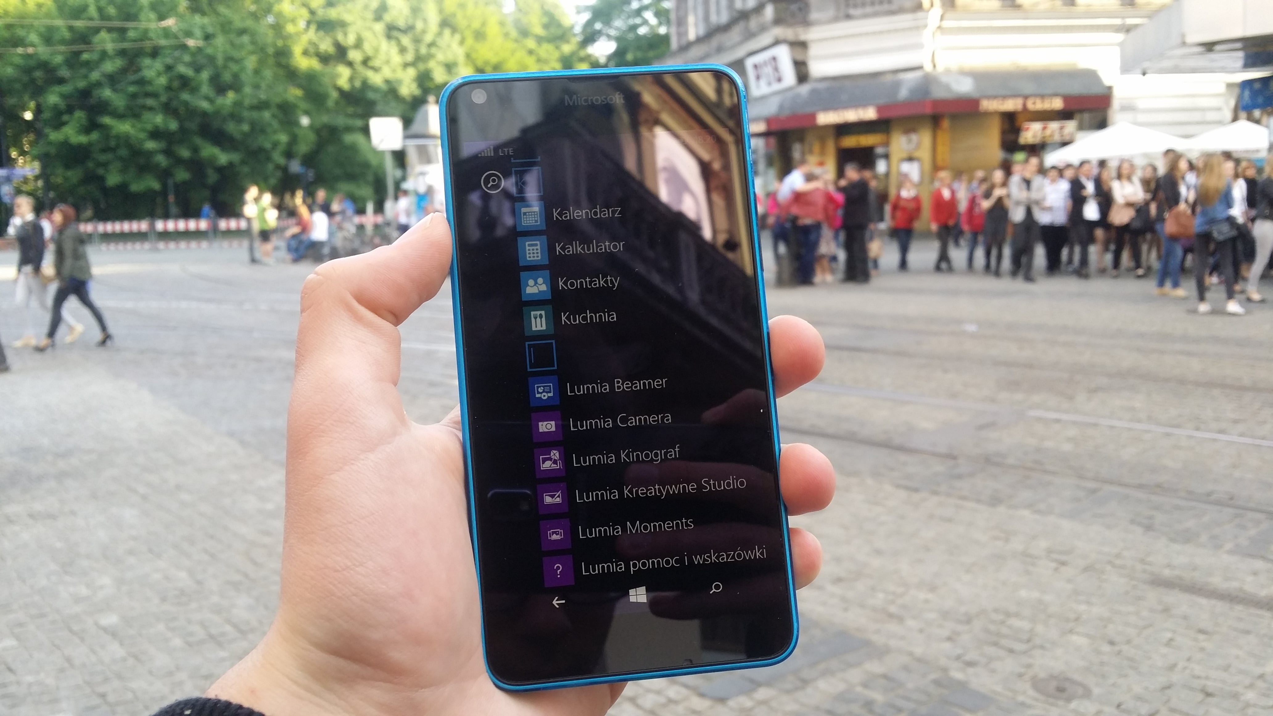 Windows 10 Mobile powoli trafia na pokład Microsoft Lumia 640 LTE