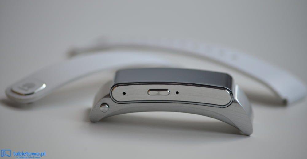 Ciekawostka: Liderem rynku urządzeń ubieralnych pozostał Fitbit, tuż przed Apple i Xiaomi 17