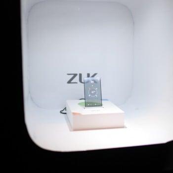ZUK-transparent-screen-phone-prototype (2)
