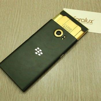 Tabletowo.pl Jeśli 3999 zł za BlackBerry Priv to dla Ciebie za dużo, to co powiesz na pokrytą 24-karatowym złotem wersję za 6500 złotych? Android BlackBerry Smartfony