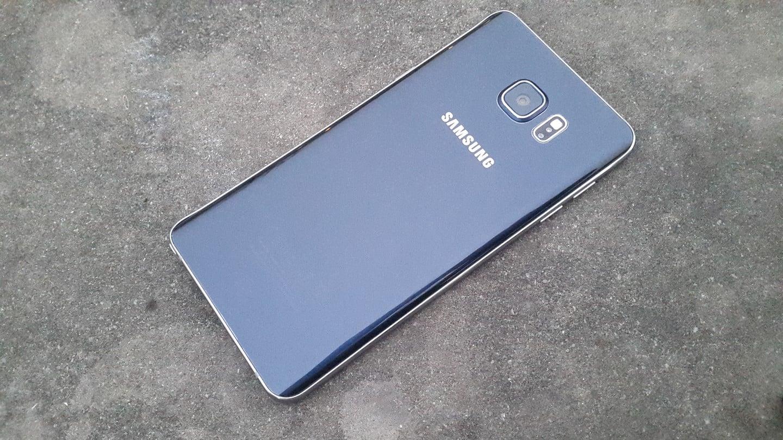 Tabletowo.pl Samsung odrobił pracę domową. W Galaxy S7 ma powrócić slot kart microSD oraz wodoodporność Android Nowości Plotki / Przecieki Samsung Smartfony