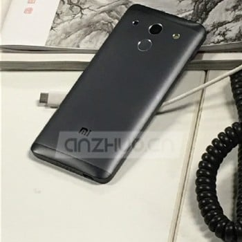 Tabletowo.pl Xiaomi Mi 5 na nowych zdjęciach zupełnie różni się od tego, którego widzieliśmy wcześniej Android Plotki / Przecieki Smartfony Xiaomi