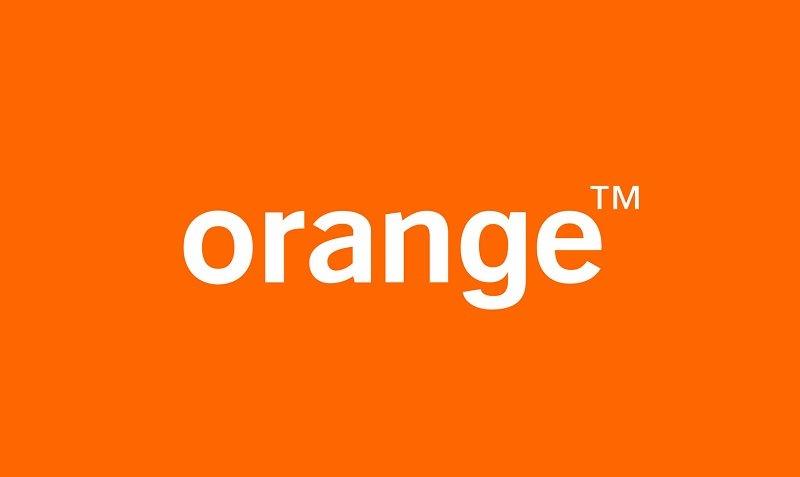 eSIM już w Polsce. Klienci Orange zainstalują elektroniczną kartę SIM w trzech modelach iPhone'ów 20