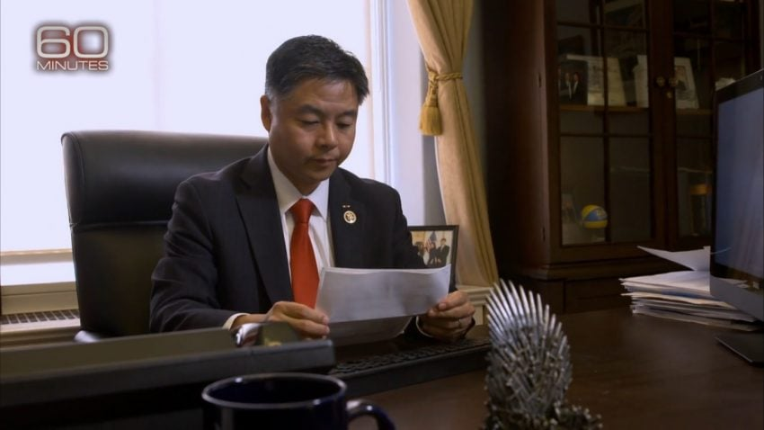 Kongresmen Ted Lui podczas pracy