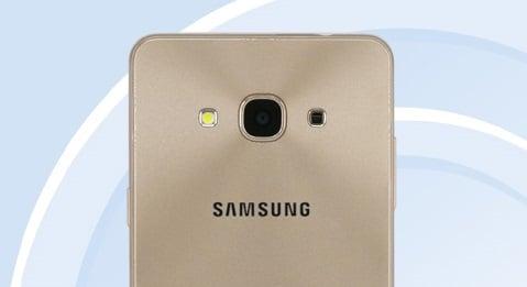 Tabletowo.pl Samsung już przygotowuje na premierę Galaxy J3 2017. Jest kilka znaczących zmian względem Galaxy J3 2016 Android Samsung Smartfony