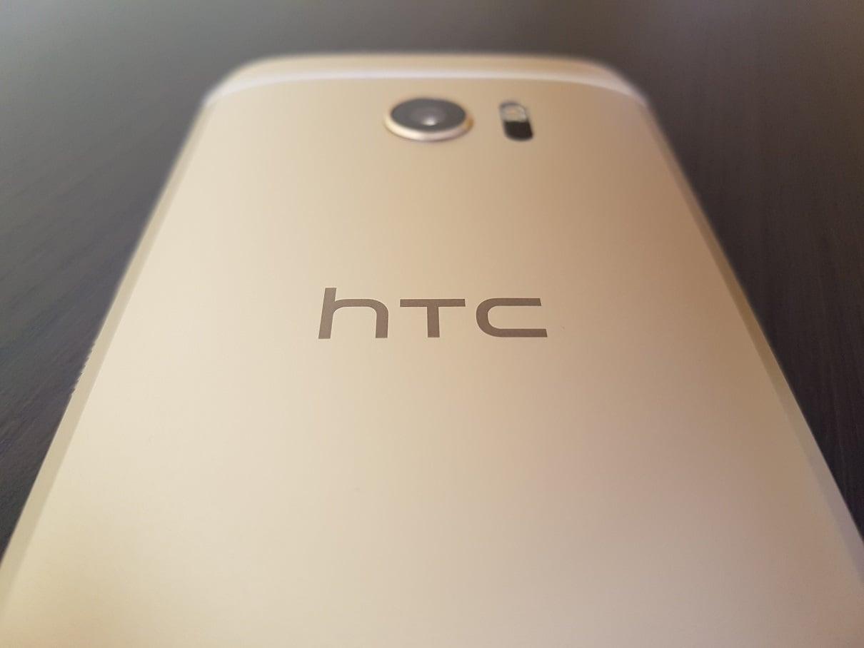 HTC 10 HTC logo