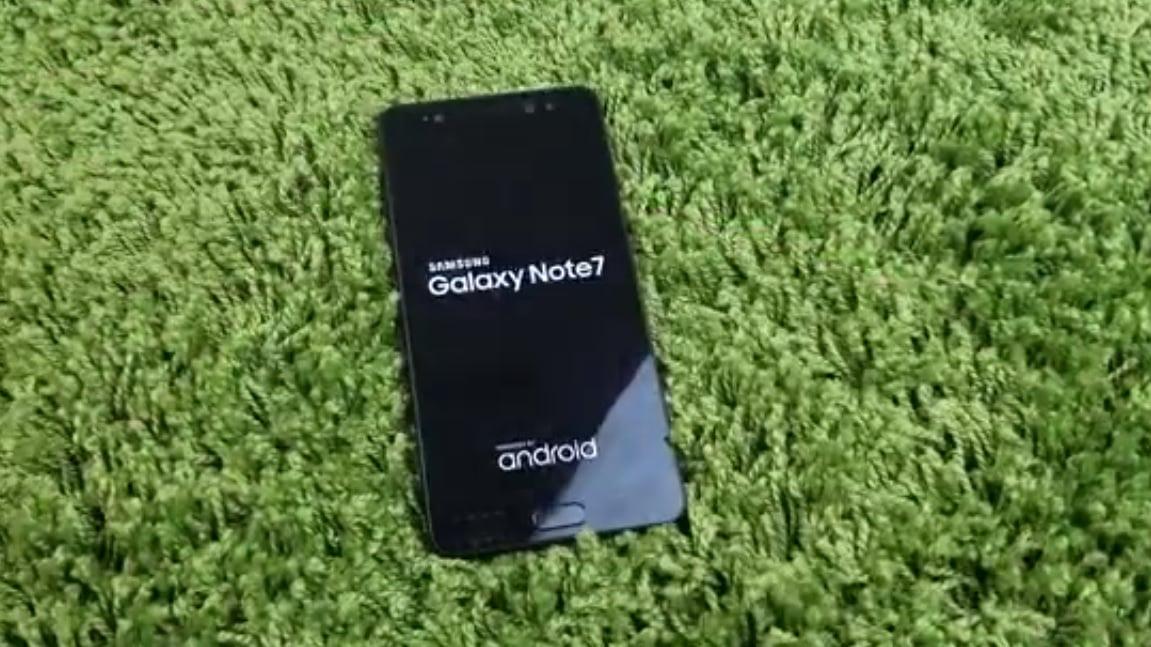 Samsung Galaxy Note 7 flat