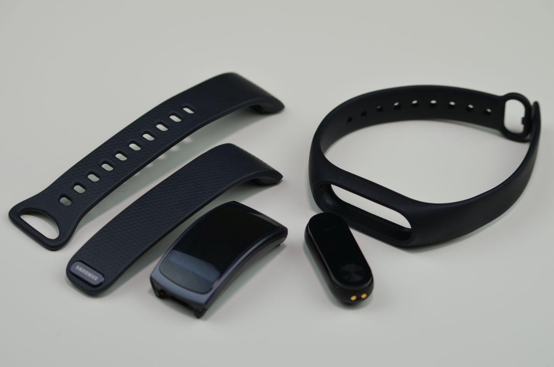 por wnanie samsung gear fit 2 vs xiaomi mi band 2. Black Bedroom Furniture Sets. Home Design Ideas