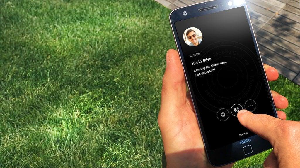 """Motorola zarzuca Samsungowi kradzież funkcji """"Always On Display"""" 19"""