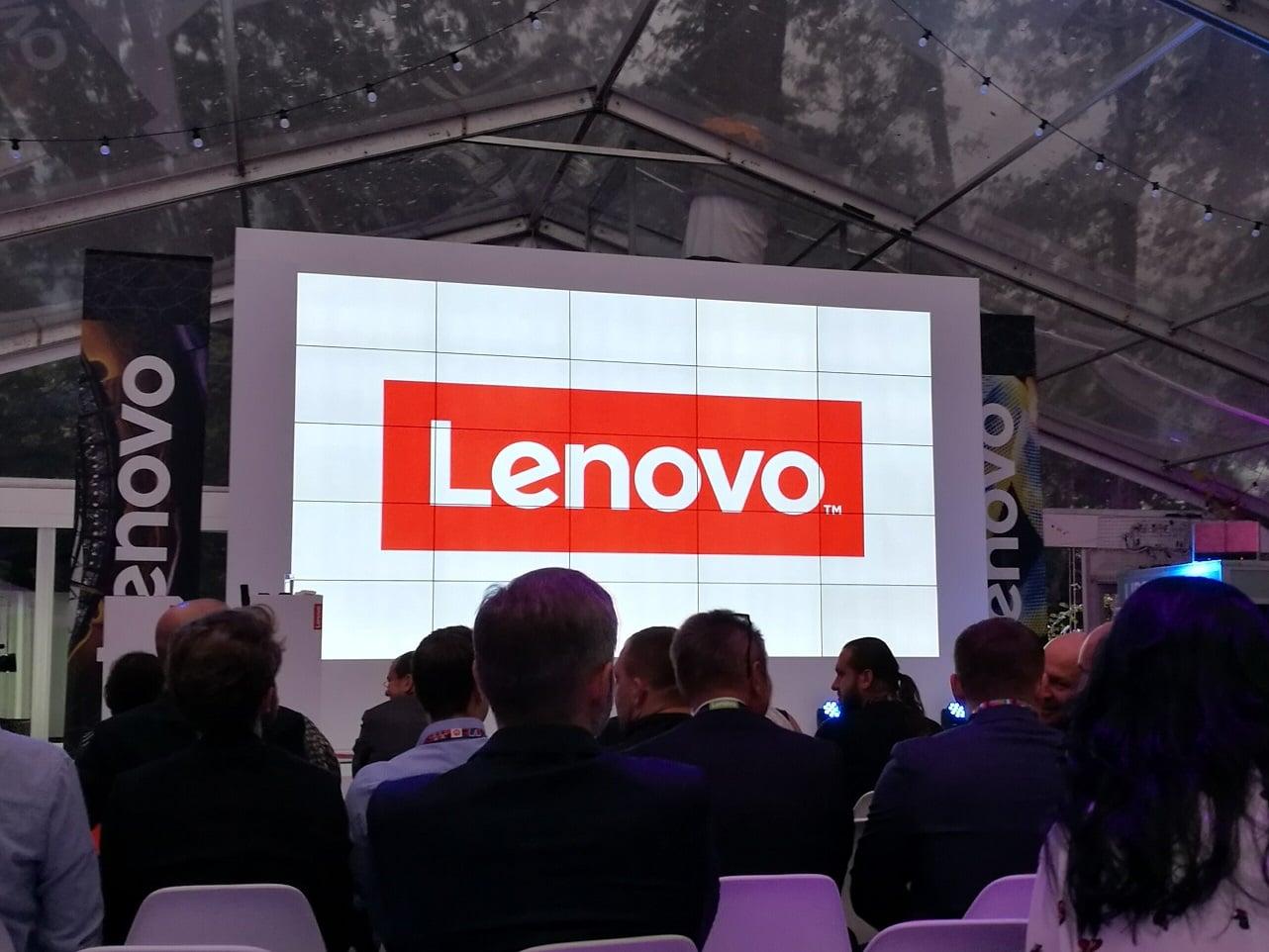 Lenovo Moto Z Play i moduł Hasselblad True Zoom debiutują w Polsce. Znamy już ceny 19