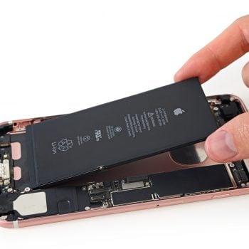 Tabletowo.pl Informacje o ilości pamięci RAM i pojemności baterii w nowych iPhonach potwierdzone Apple iOS Smartfony