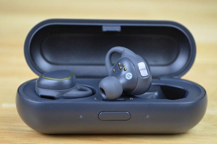 samsung-gear-iconx-tabletowo-08