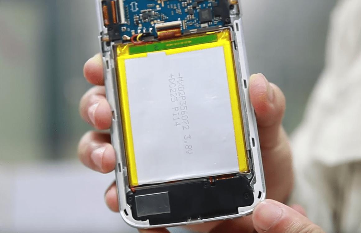 Tabletowo.pl Tak Bluboo testuje baterie modelu Edge - po to, żeby nie zajęły się ogniem Ciekawostki Producenci Smartfony Sprzęt