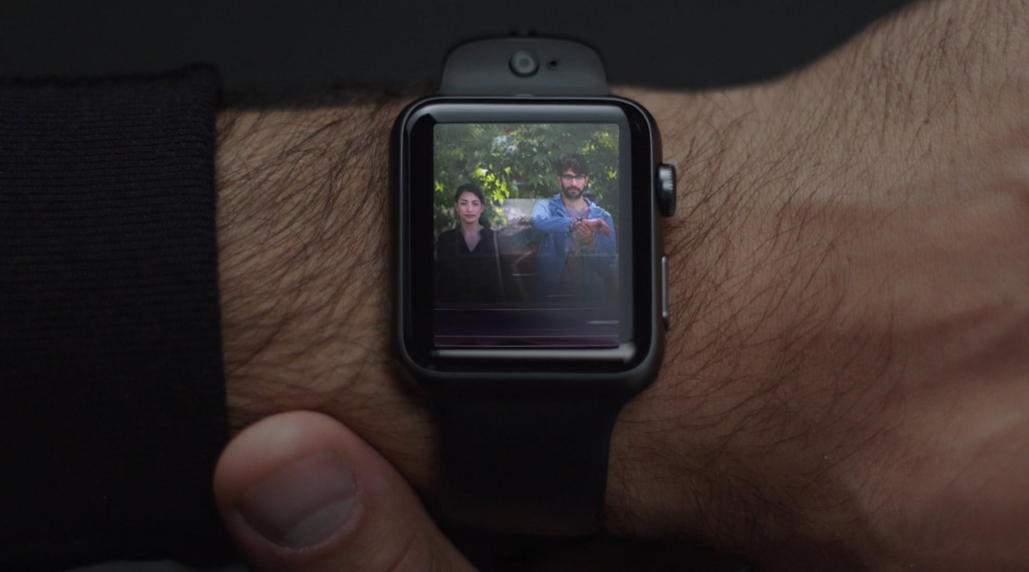 James Bond aprobuje: pasek do Apple Watch z aparatem fotograficznym 22