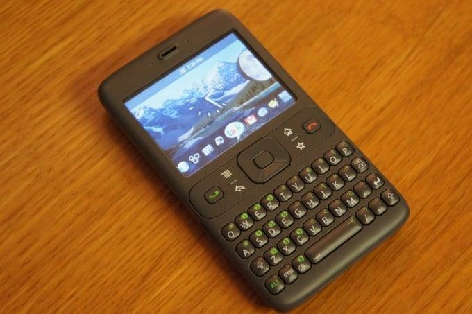 Prototyp pierwszego urządzenia z Androidem - źródło: Android Central