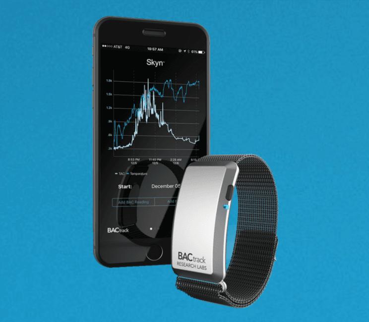 Tabletowo.pl Nareszcie, pierwszy przydatny inteligentny gadżet na CES 2017 - alkomat na nadgarstek Akcesoria CES 2017 Ciekawostki iOS Technologie Wearable