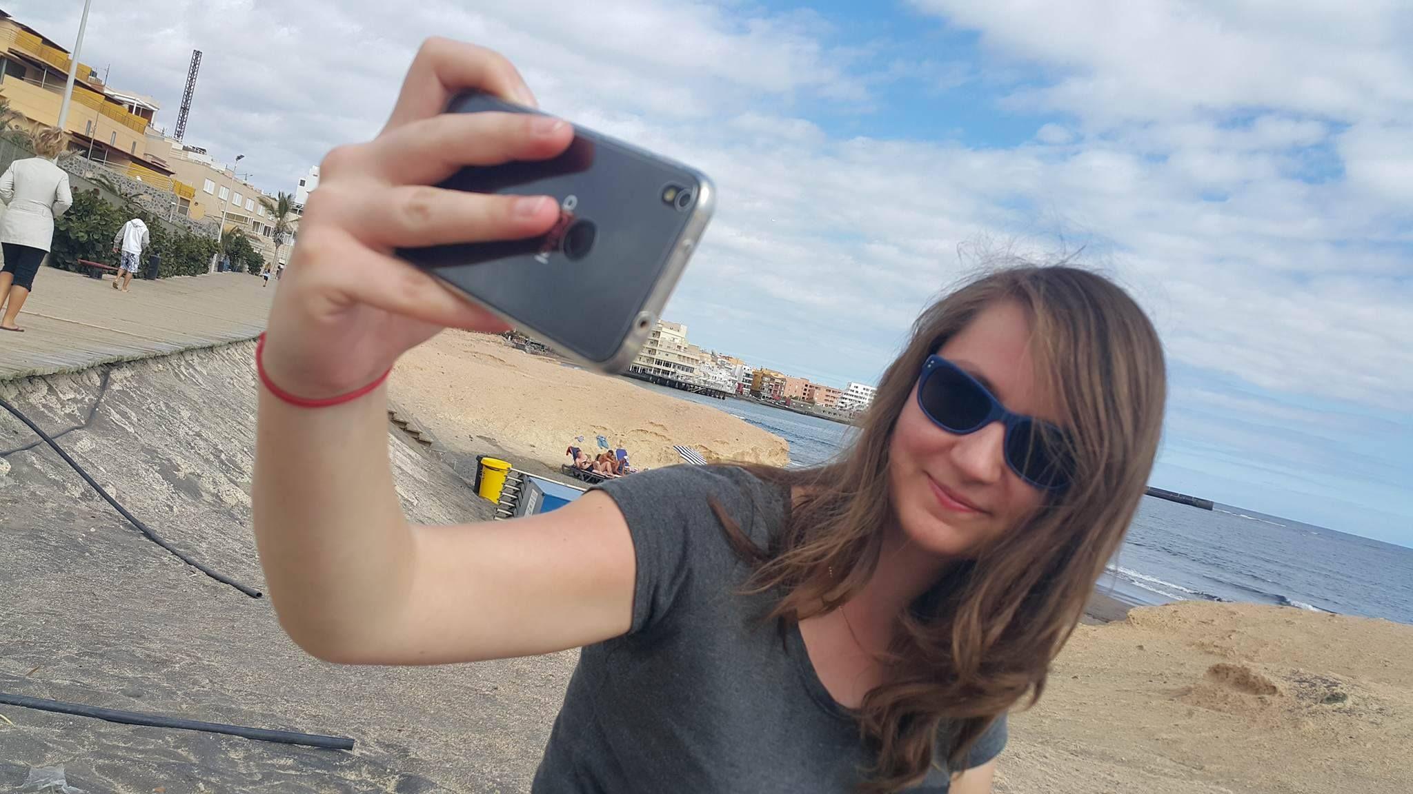 """""""Paradoks selfie"""" - kochamy robić sobie samopstryki, ale nienawidzimy patrzeć na selfie innych osób 29"""