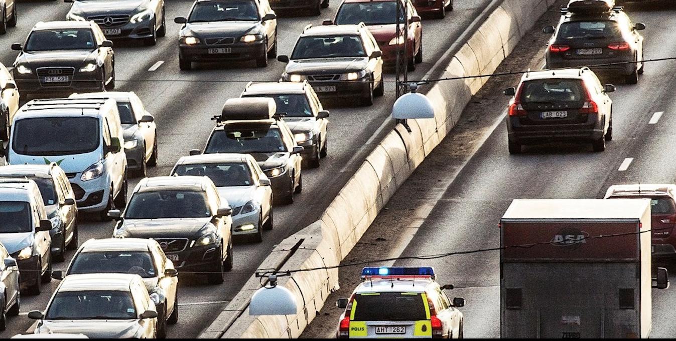 Tabletowo.pl Karetki pogotowia mogłyby informować kierowców o tym, że nadjeżdżają, wyłączając głośną muzykę w ich samochodach Ciekawostki Technologie