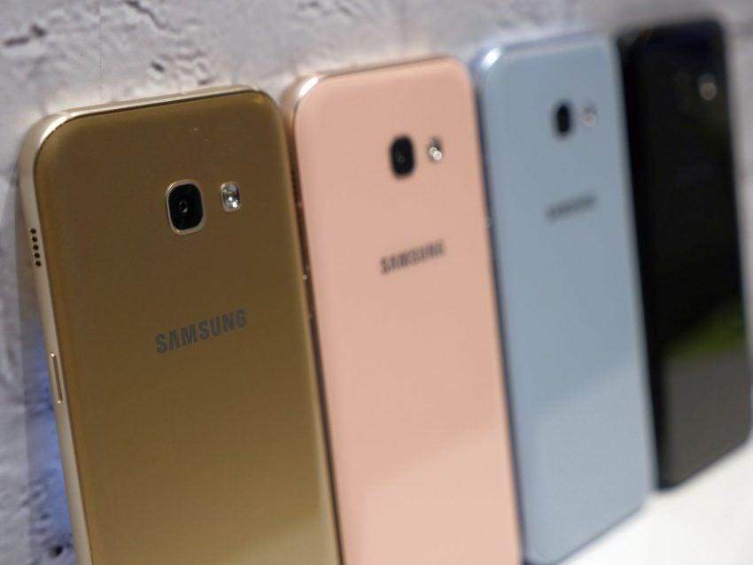 Średniopółkowce, ale prawie jak flagowce - jakie są nowe smartfony z zaprezentowanej serii Galaxy A 2017? 20