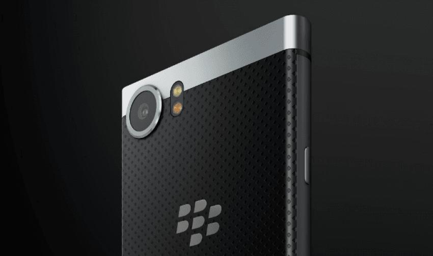 BlackBerry prezentuje swój nowy smartfon z klawiaturą QWERTY: KEYone (Mercury) 25