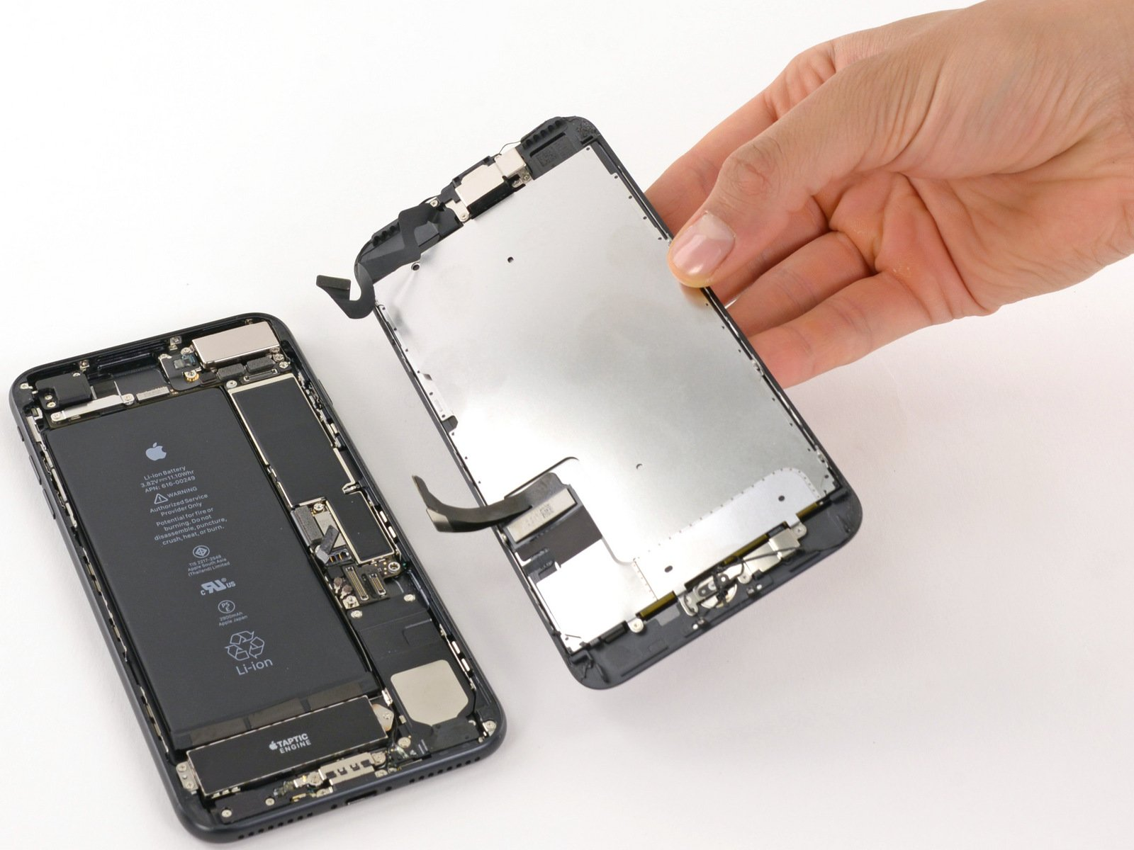 Prawo do naprawy ma w przyszłości objąć także smartfony