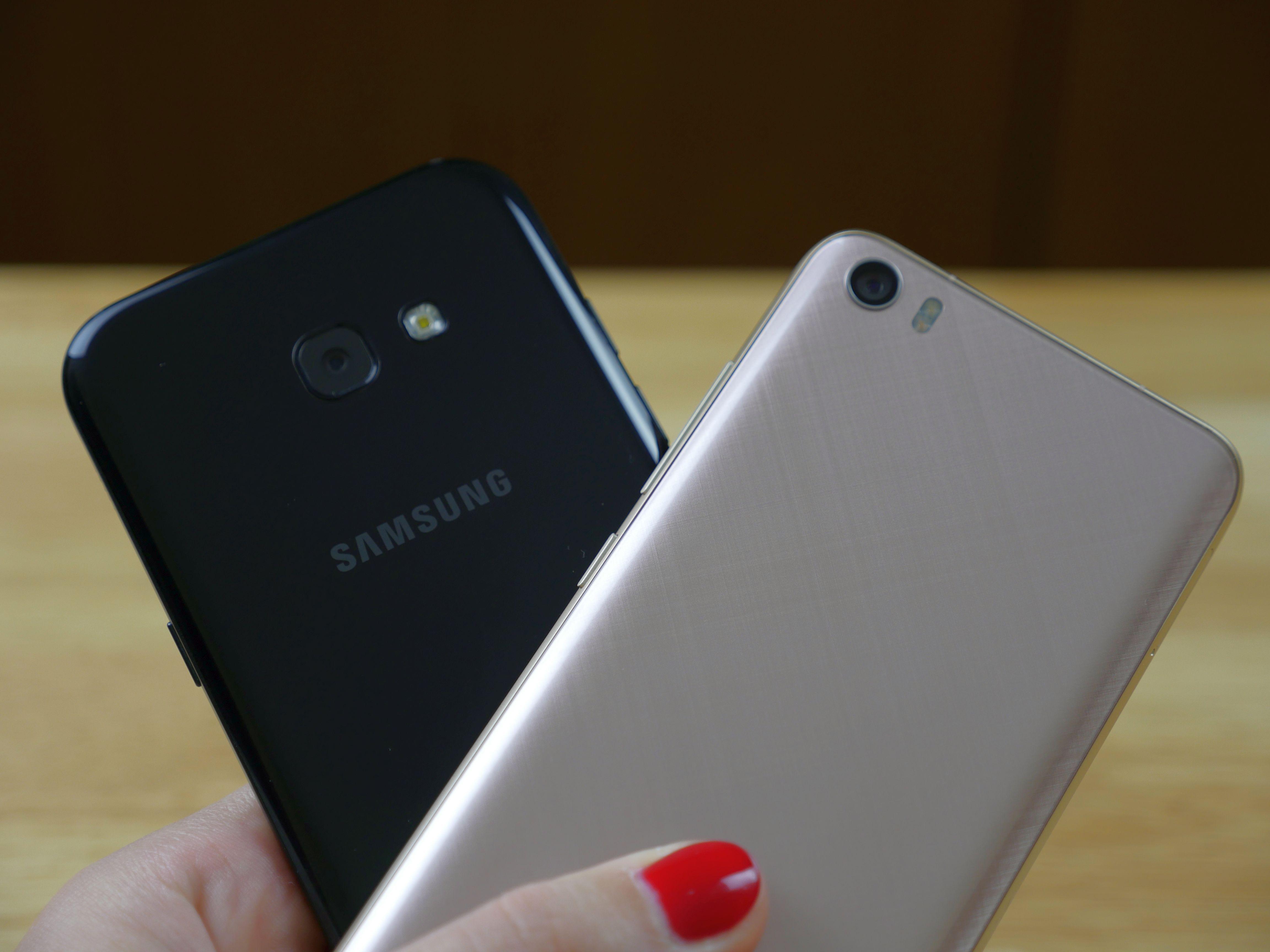 Stwierdzicie pewnie że się tego Samsunga Galaxy A5 2017 uczepiłam bo por³wnałam go już z Honorem 8 i Samsungiem Galaxy S6 a dziś zn³w zestawiam z