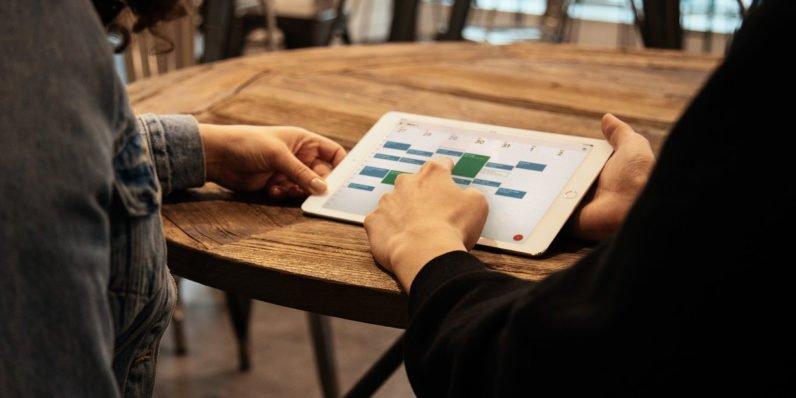 """Tabletowo.pl Brawo, Google. Minęły wieki, ale Kalendarz Google jest """"już"""" dostępny na iPady Aplikacje Google iOS"""