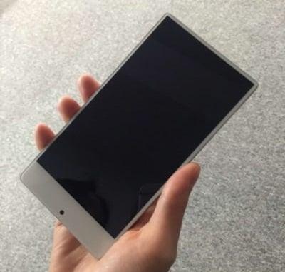 Klon klonem pogania - UMIDIGI też szykuje swoją odpowiedź na Xiaomi Mi Mix 30