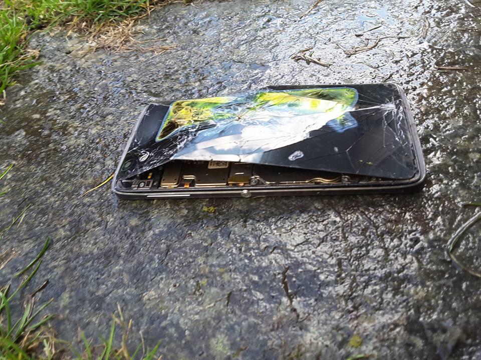 Tabletowo.pl Alcatel Idol 4 tego młodego człowieka z Polski stanął w płomieniach Alcatel Android Smartfony