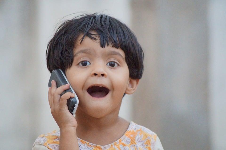 Tabletowo.pl Dziecko prawdę ci powie. 11-letni udziałowiec Samsunga wyraża swoją opinię na temat firmy podczas spotkania akcjonariuszy Ciekawostki Samsung
