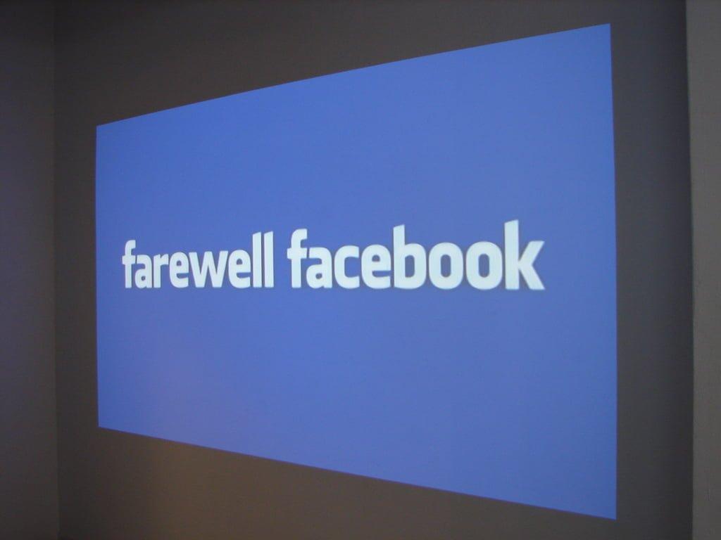 Aplikacja Facebooka i Messenger na Windows Mobile 8.1 wkrótce przestaną działać 15