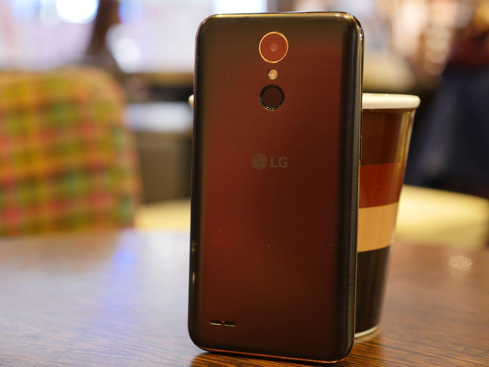 Recenzja LG K10 2017 - smartfona, który w tym roku powalczy o tytuł najpopularniejszego średniaka