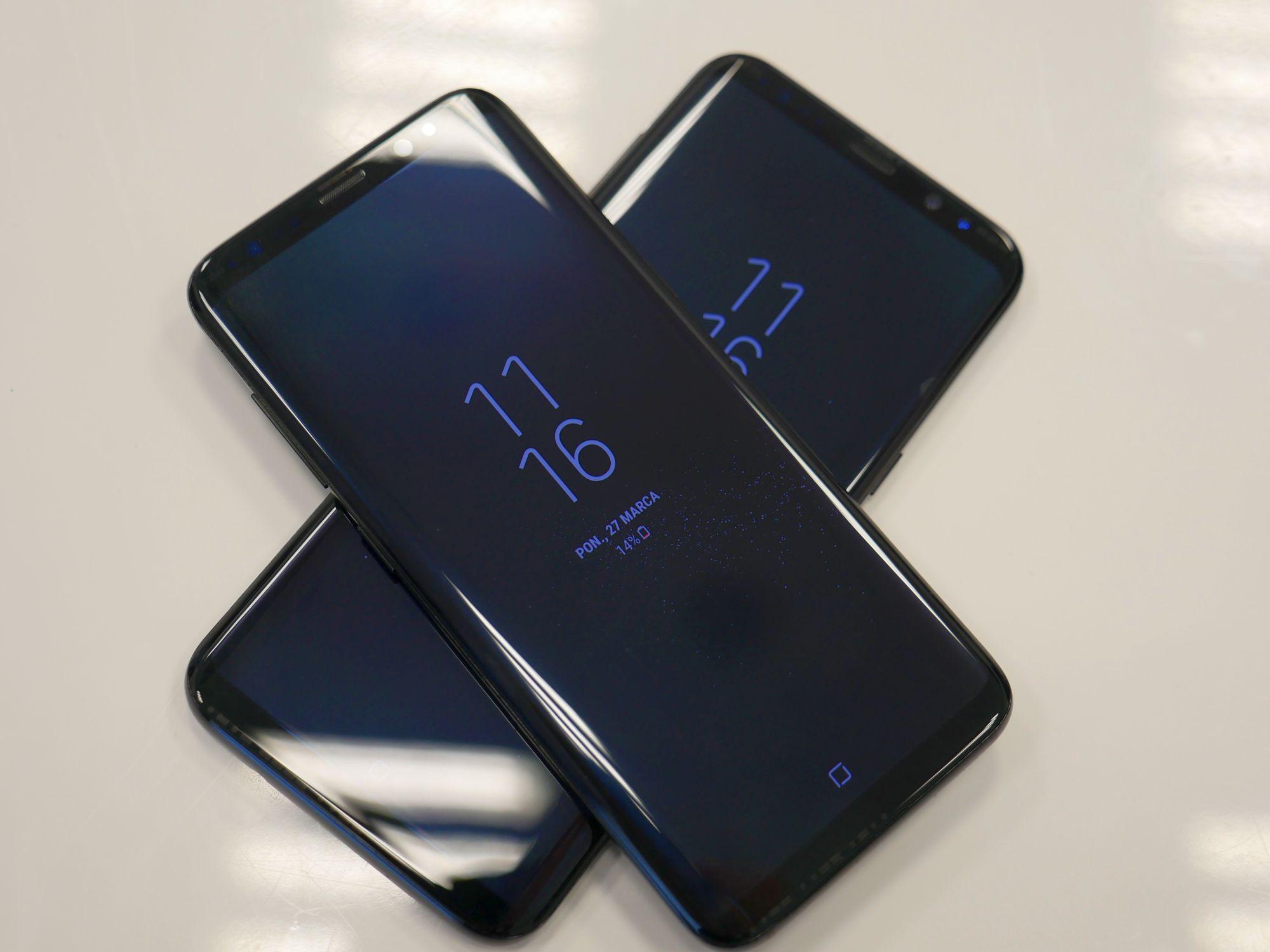 Różowe ekrany Galaxy S8 przestaną być różowe - Samsung wypuszcza aktualizację 16